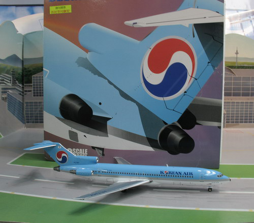 1:200 Korean Air B727-200