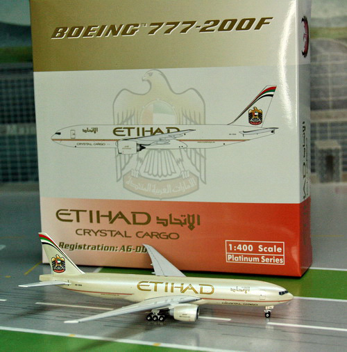 1:400 Etihad Airways B777-2 ...