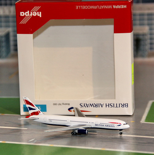 1:500 British Airways B767- ...