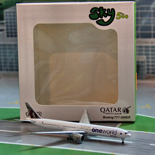 1:500 Qatar Airways B777-30 ...