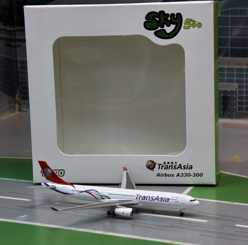 1:500 TransAsia Airways A33 ...