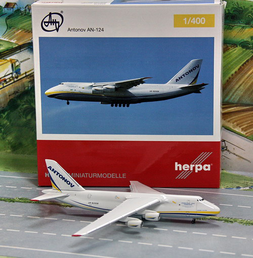 1:400 Antonov Airlines AN-1 ...