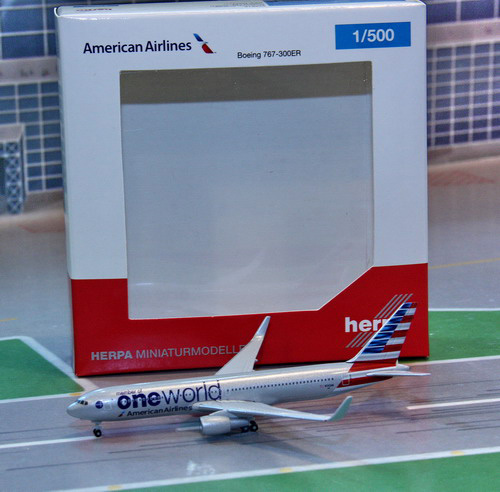 1:500 American Airlines B76 ...
