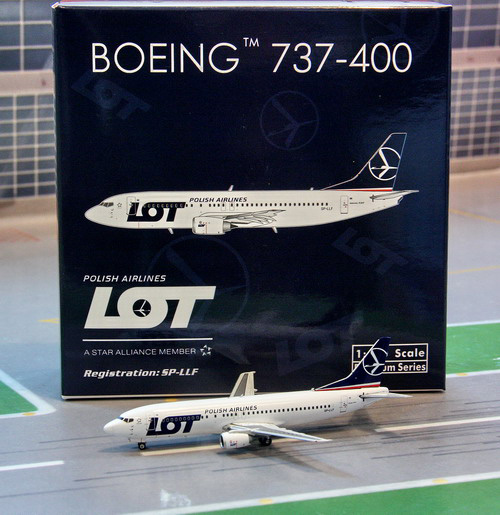 1:400 LOT Polish Airlines B ...