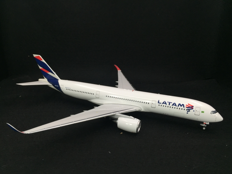 1:200 LATAM Airlines A350-9 ...