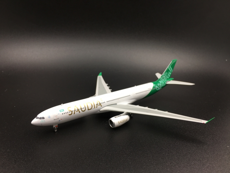 1:400 Saudi Arabian Airlines A330-300