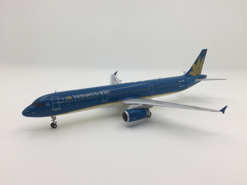 1:200 Vietnam Airlines A321 ...