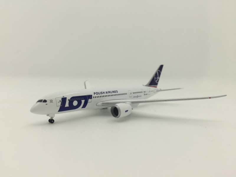 1:500 LOT Polish Airlines B ...