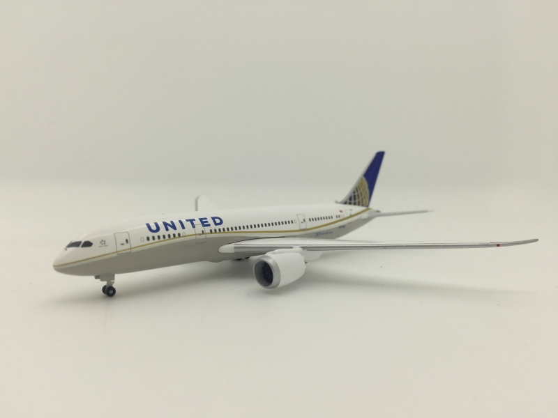 United Airlines B787-8