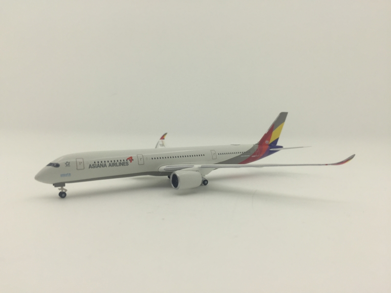 1:500 Asiana Airlines A350- ...