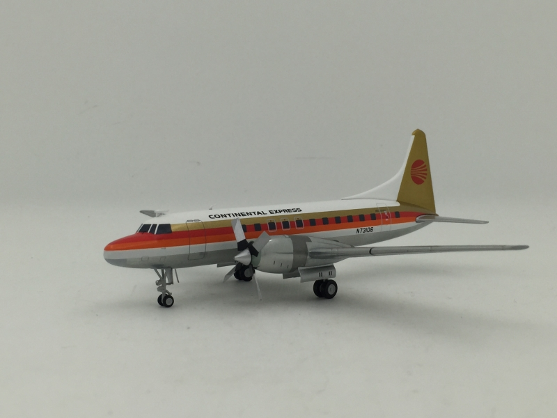 1:200 Continental Express C ...