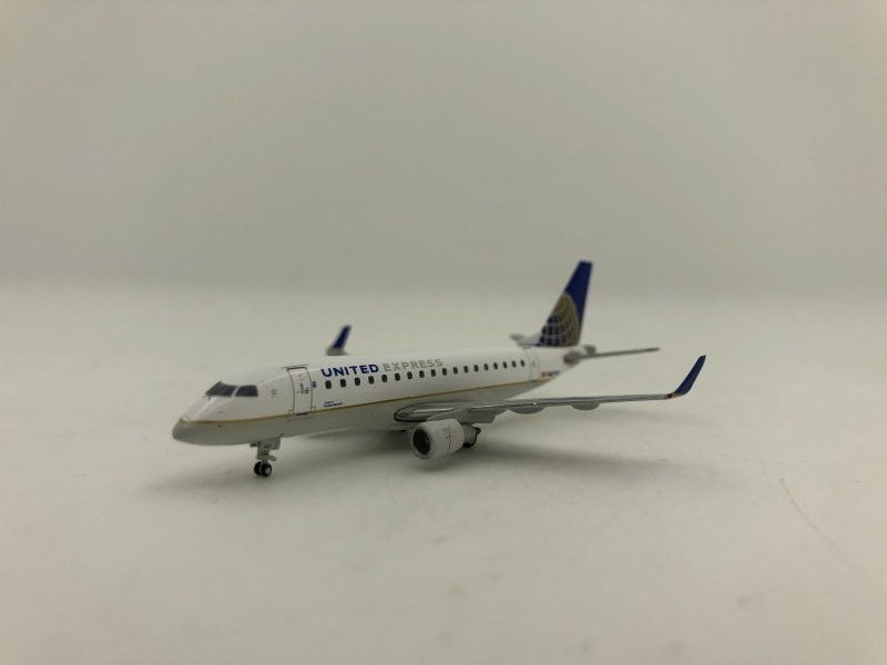 1:400 United Express ERJ-170