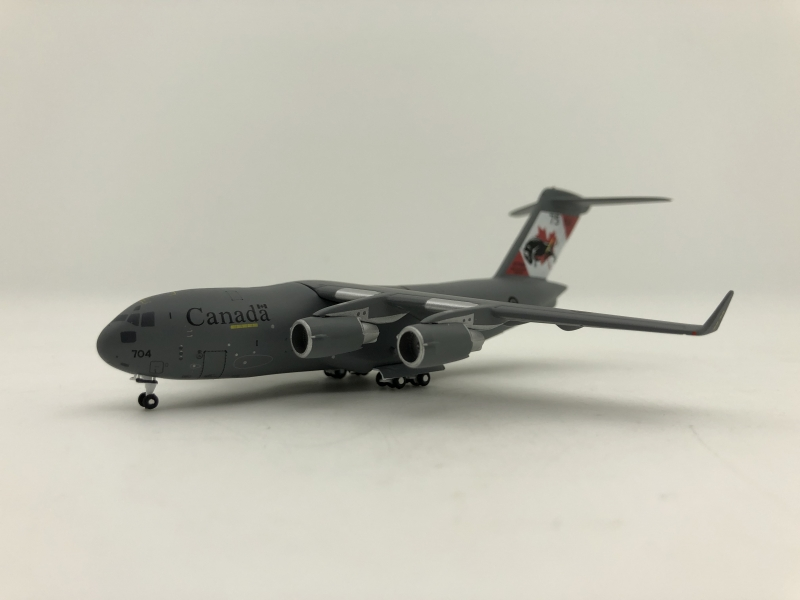 1:400 Canadian Air Force C- ...