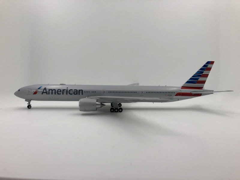 1:200 American Airlines B77 ...