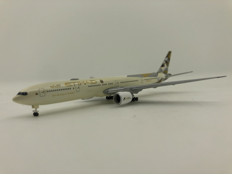 1:500 Etihad Airways B777-300ER