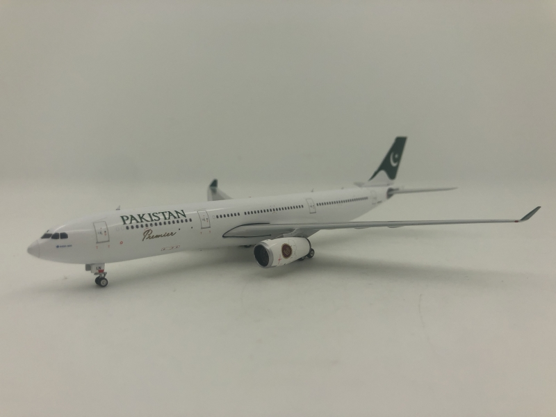 1:400 Pakistan International Airlines A330-300