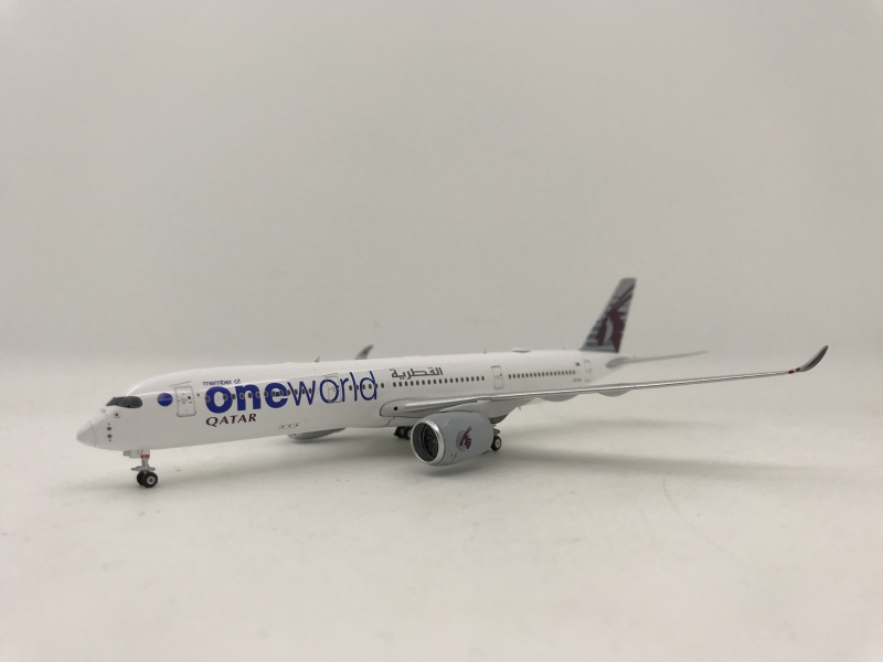 1:400 Qatar Airways A350-900 ( One World )