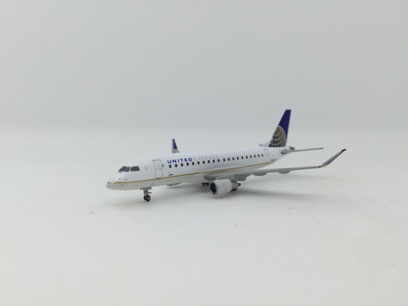 1:400 United Express Embrae ...