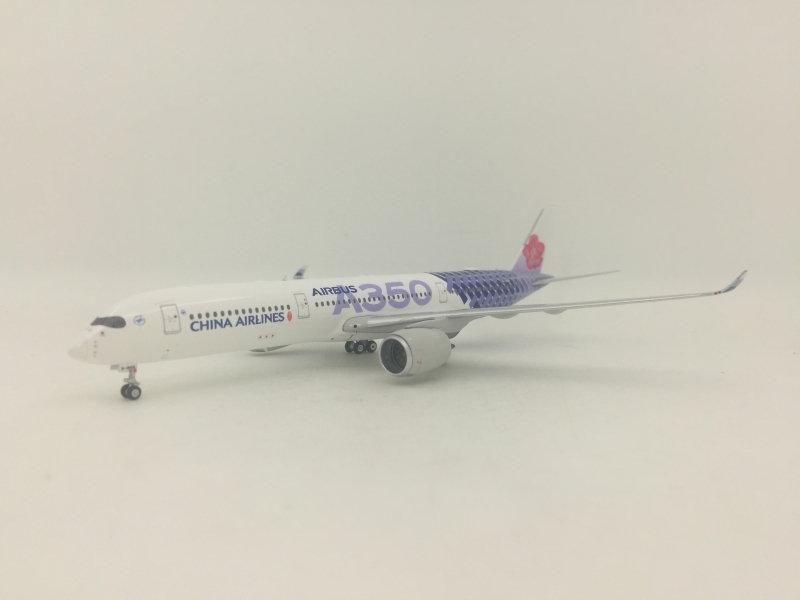 1:400 China Airlines A350-900 (Carbon Fiber Lively)