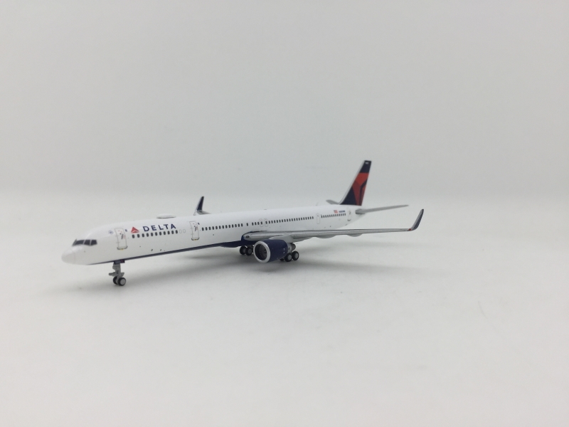 1:400 Delta Airlines B757-3 ...