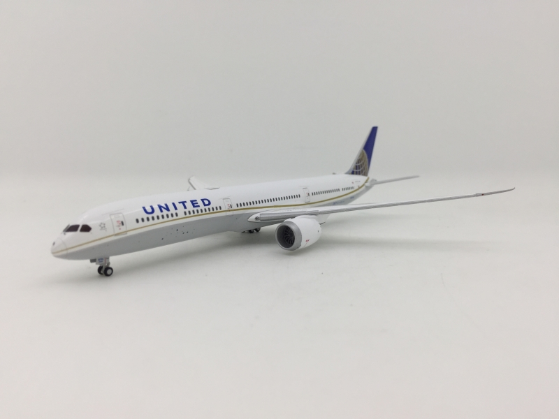 1:400 United Airlines B787- ...
