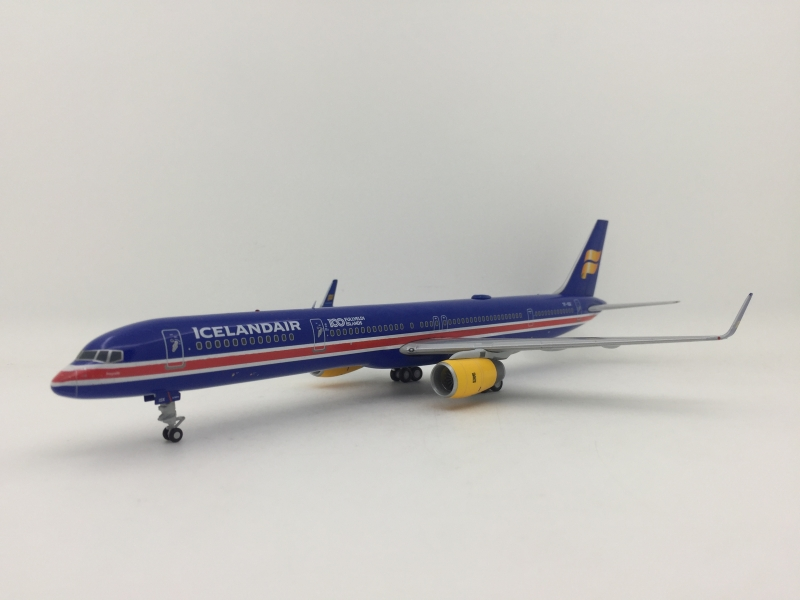Gemini 200 1:200 Iceland Air B757-300 (100 Years Independence Lively)