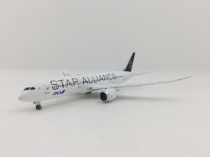 1:400 ANA 787-9 (flags down)