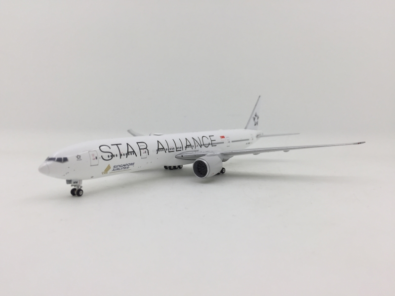 Phoenix 1:400 Singapore Airlines B777-300ER (Star Alliance Lively)