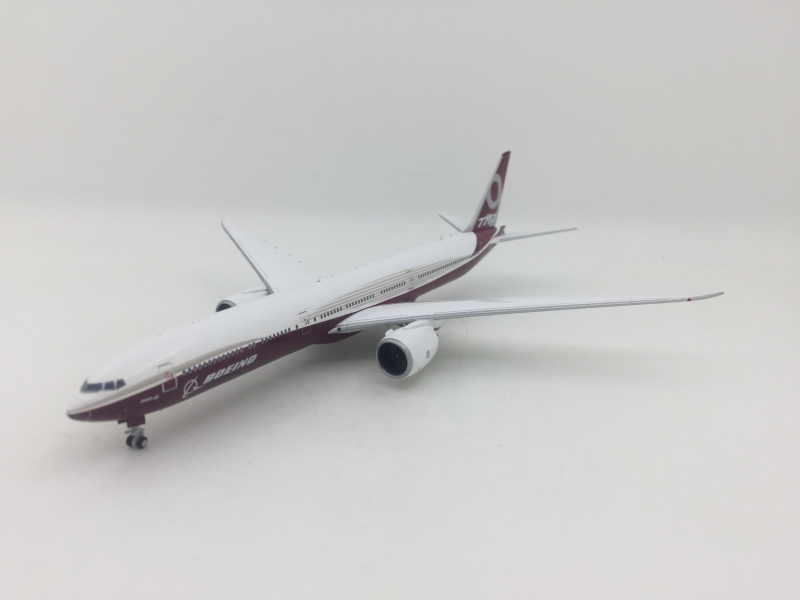 1:400 House Colour B777-9x