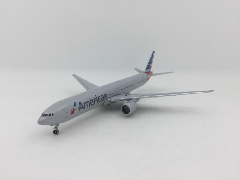 1:400 American Airlines B777-300ER