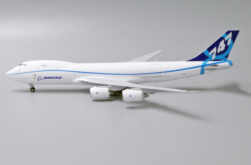 1:400 Boeing House Color B7 ...