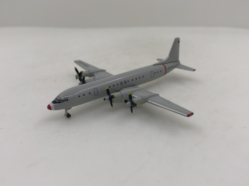 1:500 Interflug IL-18