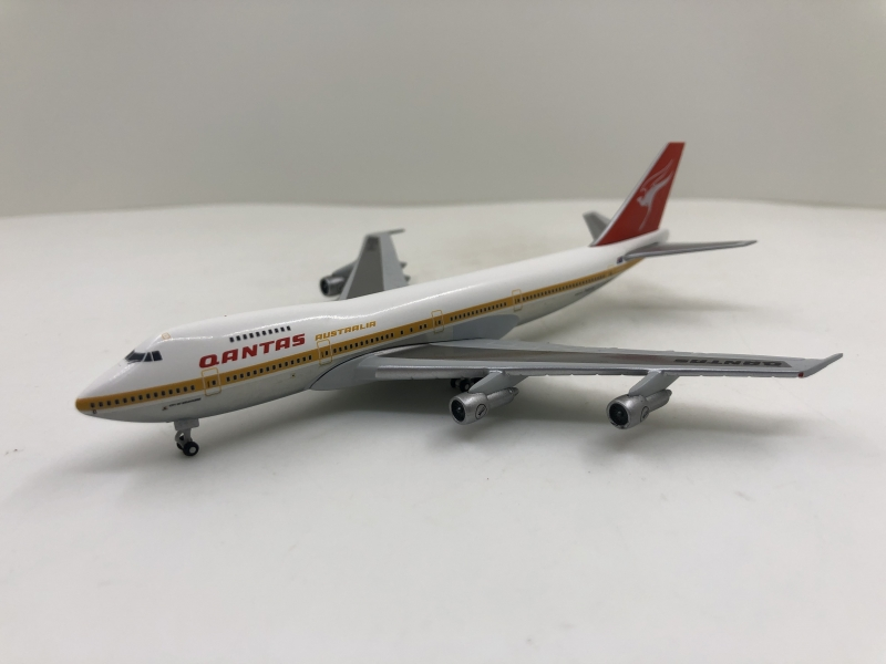 1:500 Qantas B747-200 (City of Melbourne Lively)